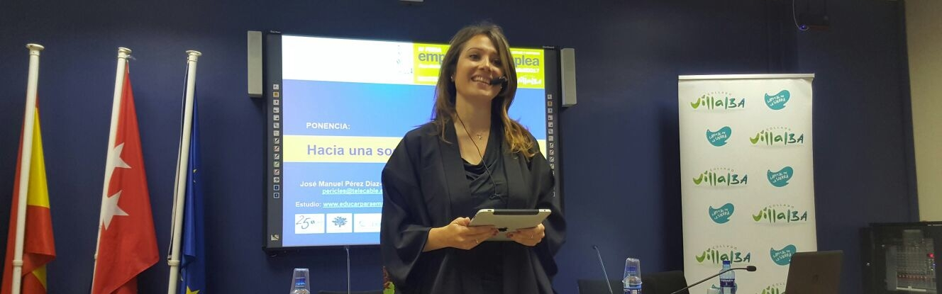 Marina Estacio presentación Feria Emprende y Emplea de Collado Villalba
