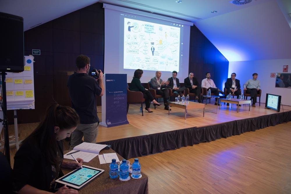 Marina Estacio, moderadora mesas redondas evento ENAIRE Plan de Vuelo 2020. Presentadora evento