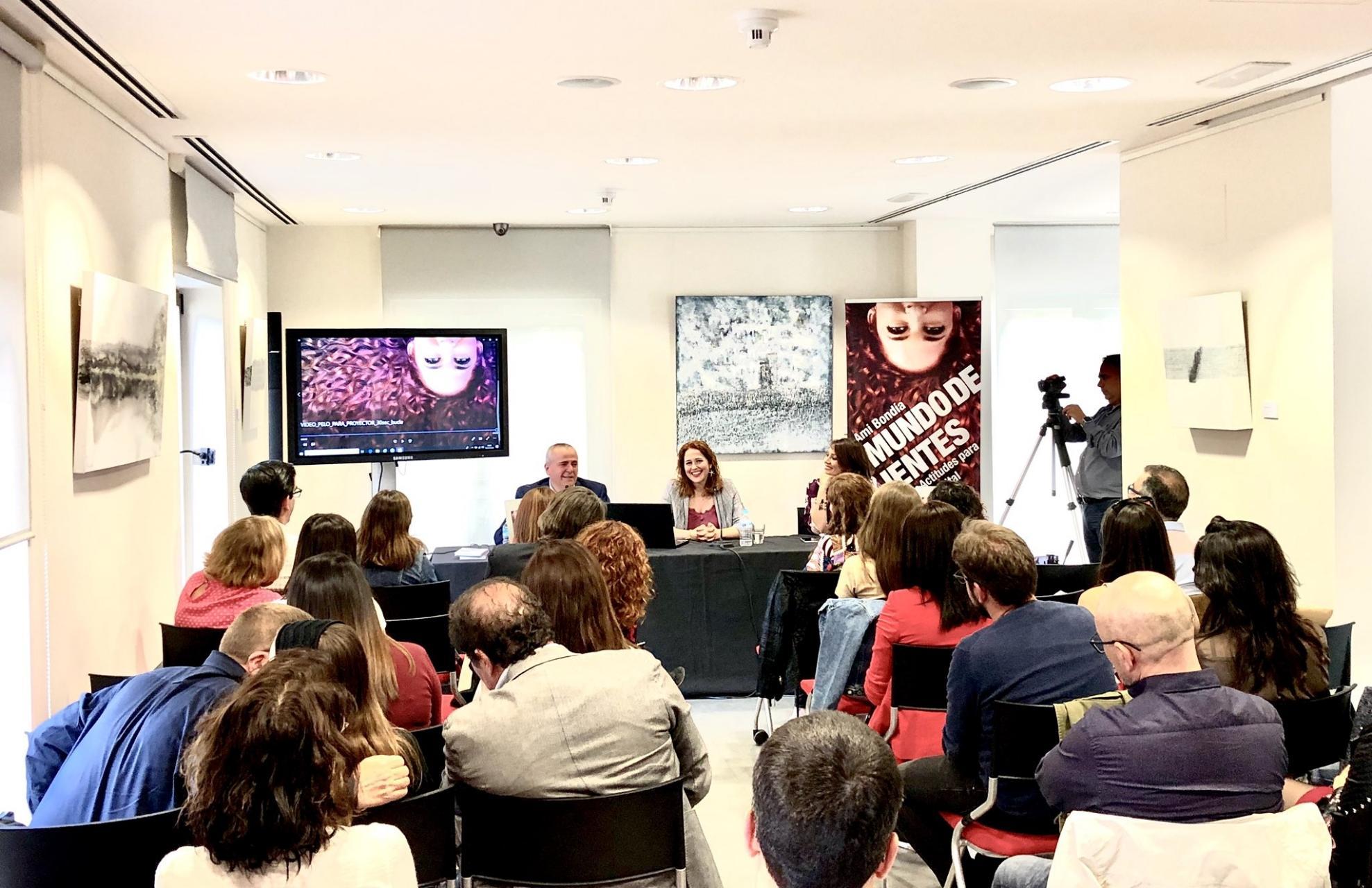 """Marina Estacio, presentación libro """"Mundo de Valientes"""" de Ami Bondia"""